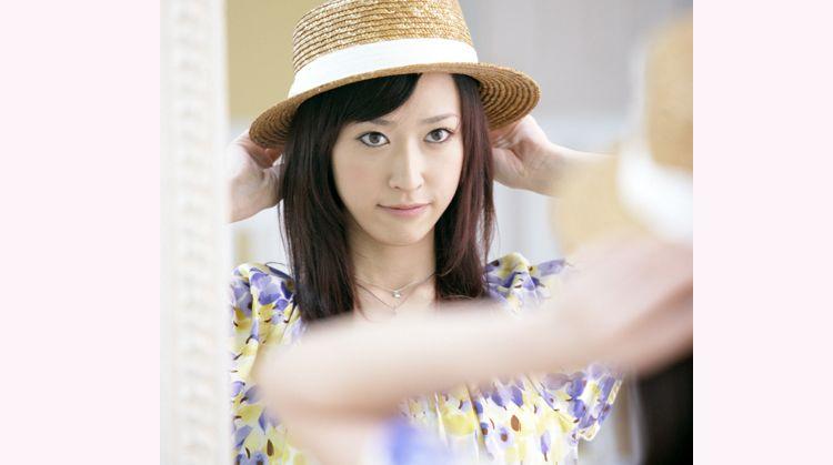 パーソナルカラー【春タイプ/スプリング】特徴は?似合うファッション&メイクが知りたい!